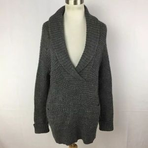 EUC Ann Taylor LOFT V-Neck Pullover Sweater
